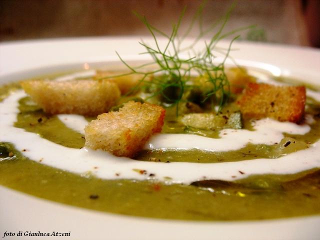 Crema di piselli, zucchine e finocchietto