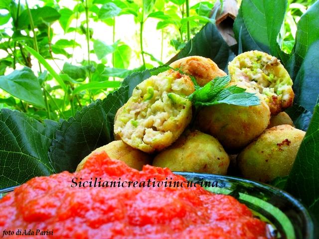 crocchette di zucchine e pesce spada con salsa piccante