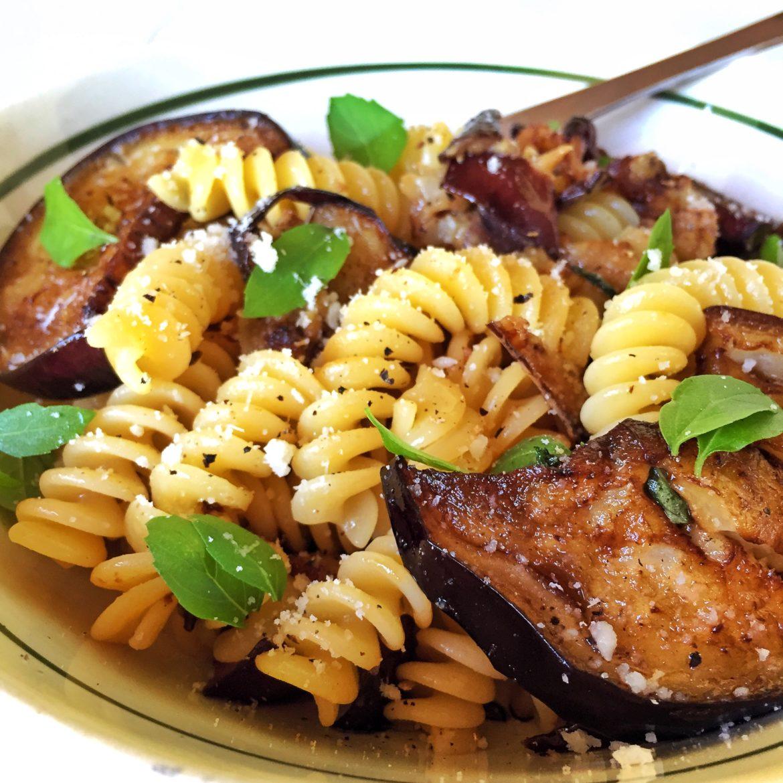 Patlıcanlı Makarna Tarifi – Hamur İşleri