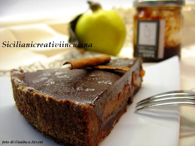 crostata di marmellata, cotogne e cioccolato