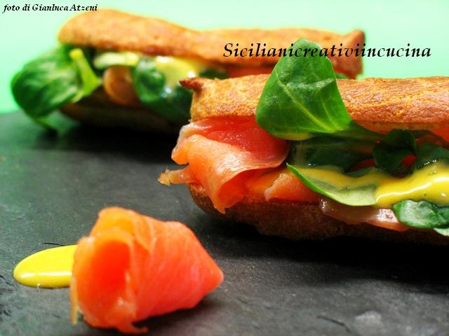 eclairs al salmone con maionese all'arancia