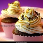 Cupcakes al cioccolato con meringa all'italiana