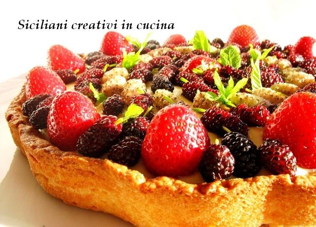 crostata alla crema con frutta fresca