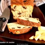 Pane in cassetta alle olive nere