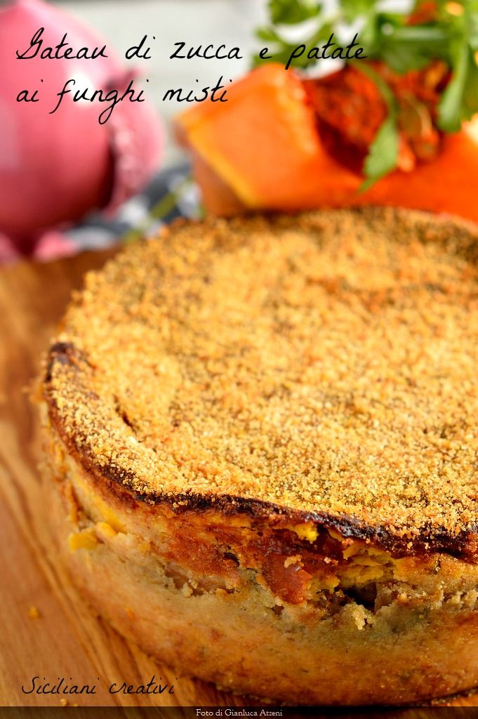 Gateau di zucca e funghi misti: la torta rustica perfetta per l'autunno, facile e gustosa