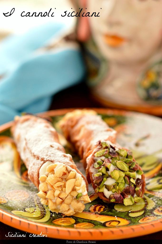 Ricetta X Cannoli.I Cannoli Siciliani Ricetta Originale Siciliani Creativi In Cucina